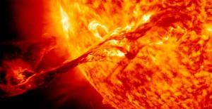 une éruption solaire